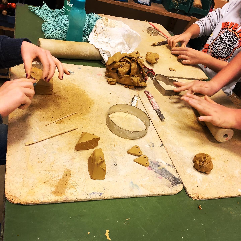 Read more about the article Ton – Workshop für Kinder ab 6 Jahre (Kurs 7 im Programmheft)